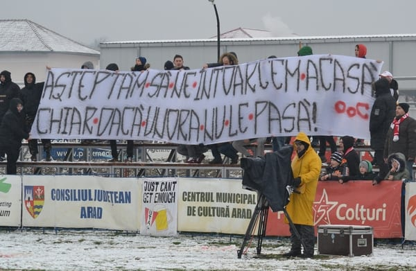 """Falcă, somat printre """"alinturi"""" să grăbească întoarcerea UTA-ei la Arad"""
